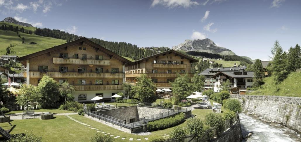 Hotel Gotthard im Sommer