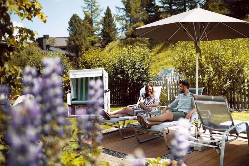 Zeit zu zweit im hoteleigenen Garten